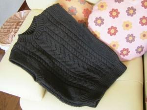 手編みベスト完成