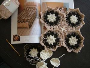 本とかぎ針モチーフ編み