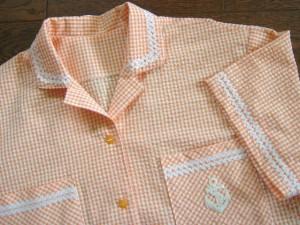イカリワッペン付のオレンジパジャマアップ