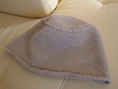 細編みの帽子の見本