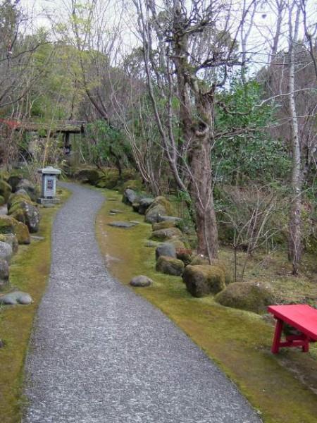 庭園内の通路