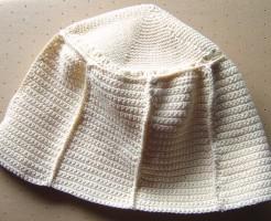 編みかけの帽子、完成しました