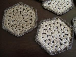 手編みコースター、アップ
