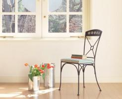 リンク集イメージ画像椅子とチューリップ